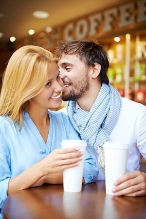 Koppel samen man vrouw date koffie
